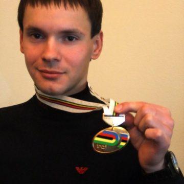 Егор Дементьев (ISD) завоевал золотую медаль в групповой гонке скретч на чемпионате мира по велотреку среди параолимпийцев