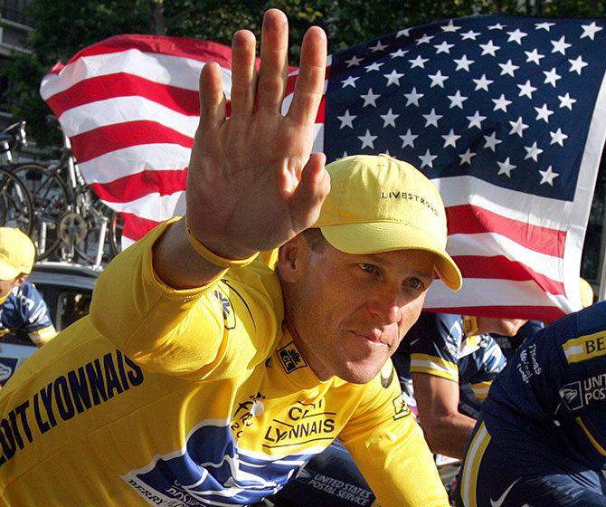 Федерация велоспорта Франции хочет потребовать с Армстронга 3 миллиона евро