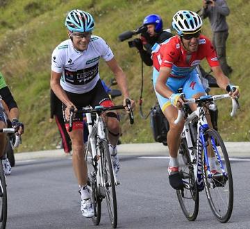 Кристофер Хорнер будет атаковать Винченцо Нибали на оставшихся 6 этапах Вуэльты Испании 2013