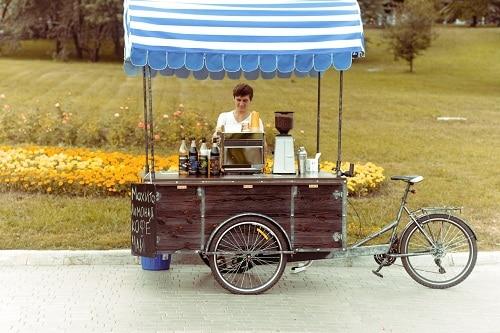 В Донецке появилась кофейня на колёсах