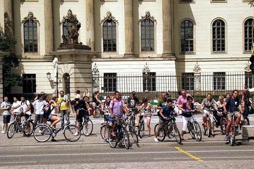 Европа окончательно пересаживается на велосипеды