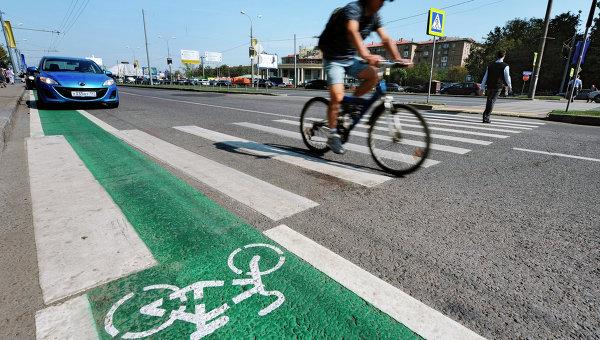 Велодорожка открылась на Бульварном кольце в Москве