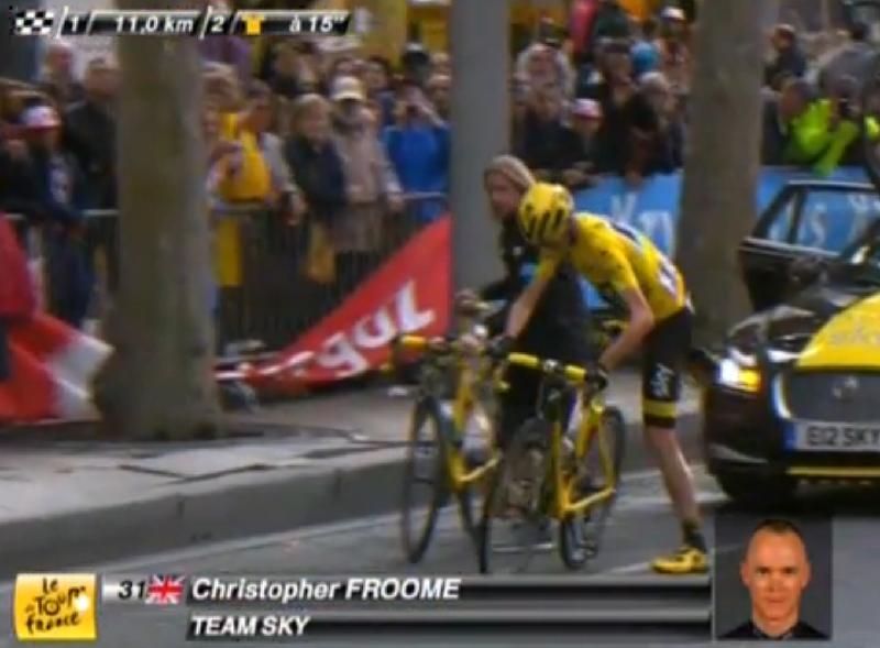 Кристофер Фрум меняет велосипед