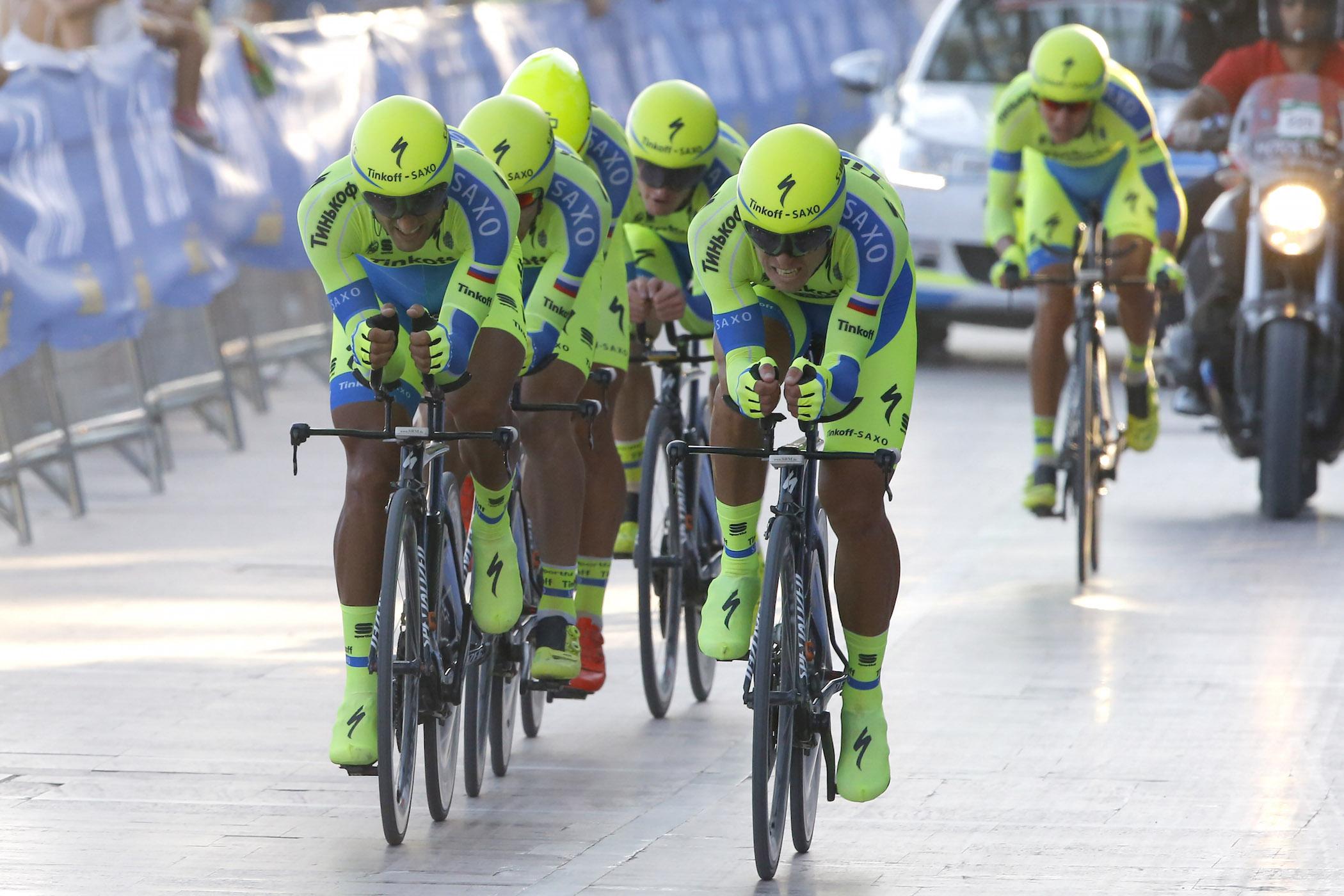 1 этап Вуэльты Испании 2015: Porto Banus - Marbella 7.4 км - 22/08/2015 - Tinkoff - Saxo - фото Luca Bettini