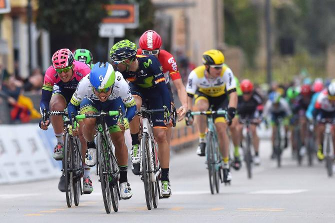Caleb Ewan (Orica-GreenEdge) leads the peloton home (Tim de Waele/TDWSport.com)