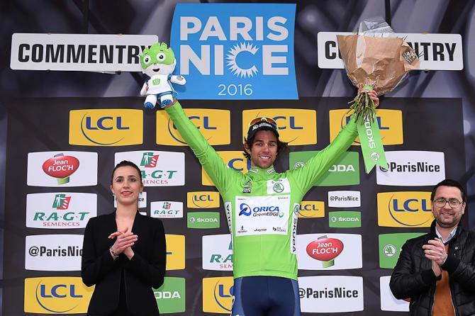 Michael Matthews в зеленой футболке после 2-го этапа Париж-Ницца. (Getty Images Sport)