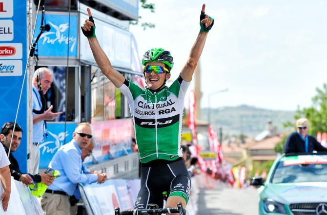 Pello Bilbao (Caja Rural-Seguros RGA) победитель второго этапа Тура Турции. (фото: Tour of Turkey/Brian Hodes)