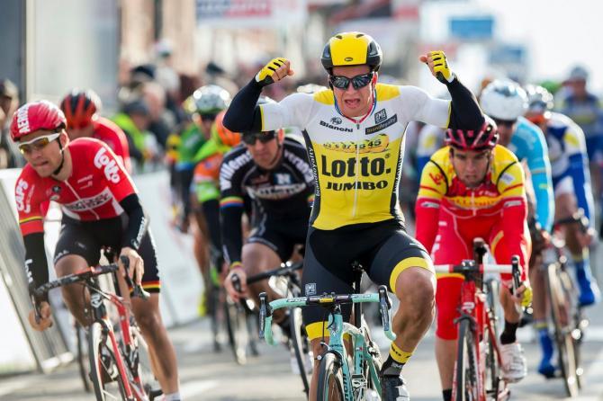 Dylan Groenewegen (LottoNl-Jumbo) празднует свою победу на этапе (фото: Getty Images Sport)