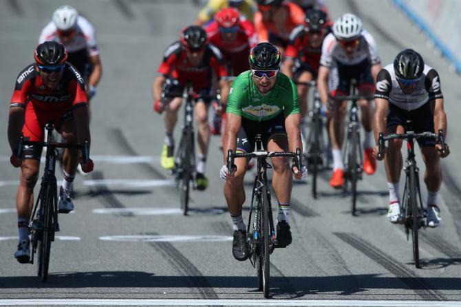 Петер Саган выигрывает 4 этап Тура Калифорнии перед Грегом Ван Авермэетом и Натаном Хаасом(фото: Getty Images Sport)