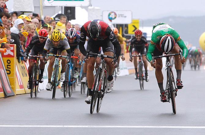 Эдвалд Боуссон Хаге (Dimension Data) приближается к финишу (фото: Tim de Waele/TDWSport.com)