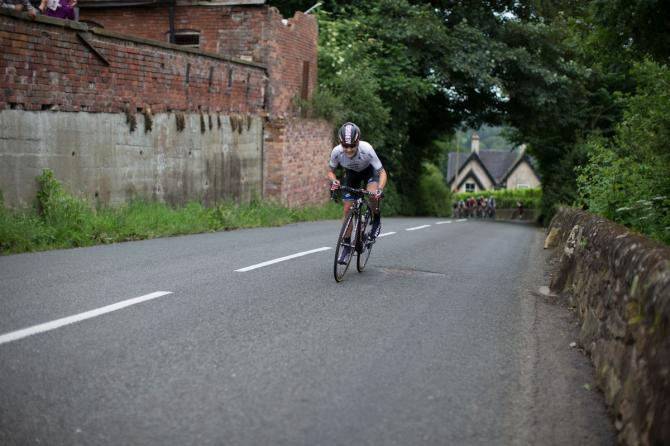 Emma Johansson (SWE) Wiggle Hi5 Cycling Team пытаеться уменьшить разрыв с лидерами гонки 4-го этапа Aviva Women's Tour 2016 (фото: Sean Robinson/Velofocus)