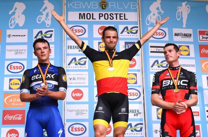 Victor Campenaerts (LottoNl-Jumbo) наслаждается своей бельгийской победой в разделке (фото: Tim de Waele/TDWSport.com)