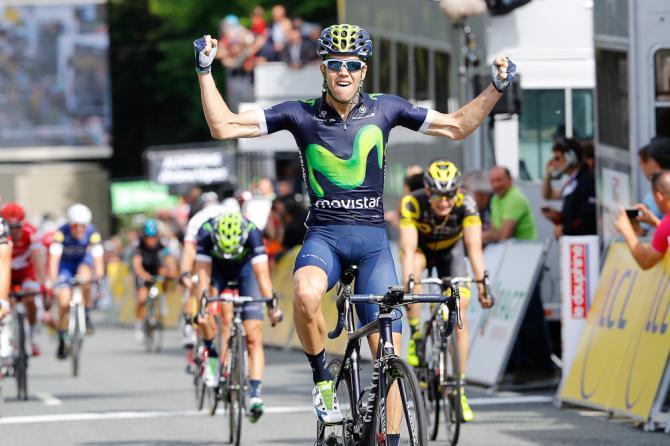 Jesus Herrada (Movistar) celebrates winning stage 2 at the Criterium du Dauphine (фото: Biondi/Bettiniphoto)