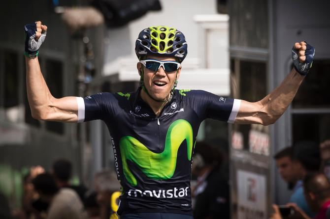Jesus Herrada (Movistar) crosses the line to win stage 2 at criterium du Dauphine (фото: Getty Images Sport)