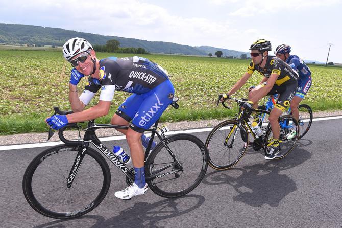 Максим Буе (Etixx-Quickstep) расслабился в отрыве (фото: Tim de Waele/TDWSport.com)