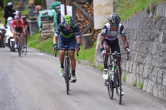 Natnael Berhane and Winner Anacona near the end of stage 5 at the Tour de Suisse (фото: Tim de Waele/TDWSport.com)