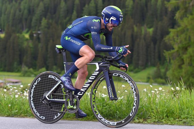 Ион Исагирре на пути к победе в восьмом этапе Тура Швейцарии 2016(фото: Tim de Waele/TDWSport.com)