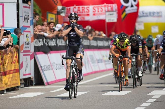 Chloe Hosking (Wiggle High5) выиграла 3 этап Giro Rosa (фото: Sean Robinson/Velofocus)