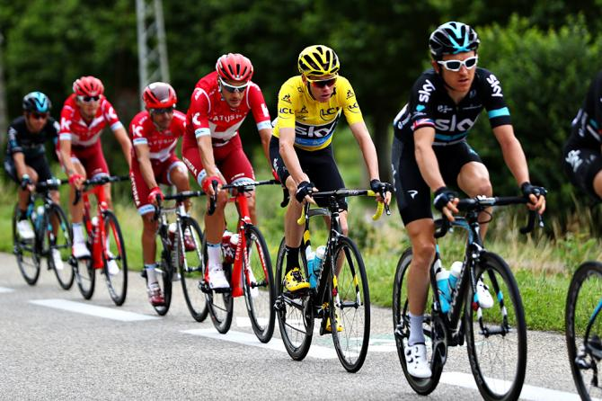 Team Sky во главе основной группы (фото: Getty Images Sport)