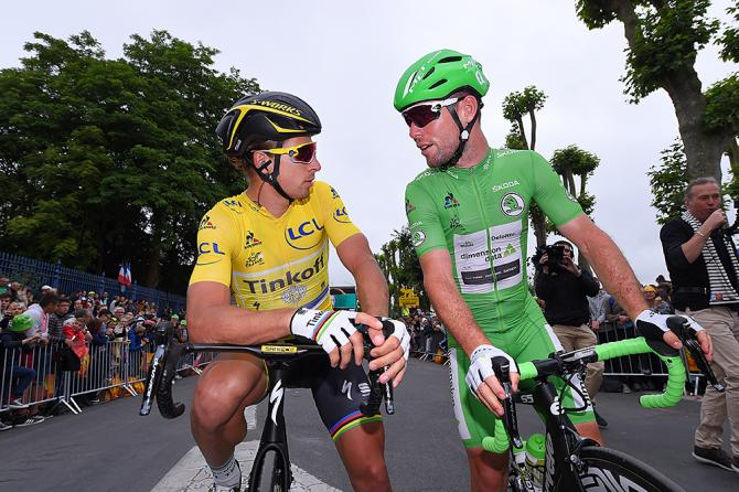 Лидер гонки Петер Саган (Tinkoff) и очковый лидер Марк Кавендиш (Dimension Data) (фото: Tim de Waele/TDWSport.com)