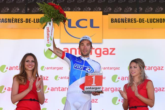 Thibaut Pinot (FDJ) с призом боеспособности после 8 этапа Тур де Франс (фото: Tim de Waele/TDWSport.com)