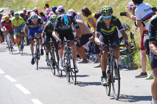 Alejandro Valverde (Movistar) атакует Фрума (фото: Tim de Waele/TDWSport.com)