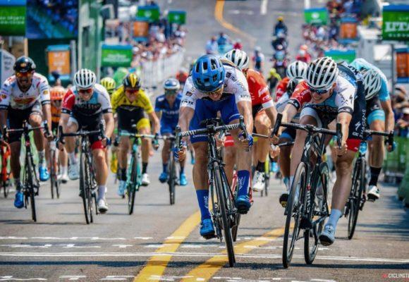 Карлос Састре празднует 10-летие победы на Тур де Франс