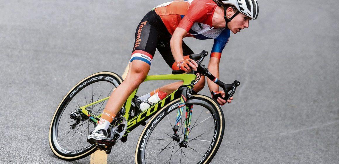 Ван Флёйтен претендует на победу в домашнем чемпионате Голландии