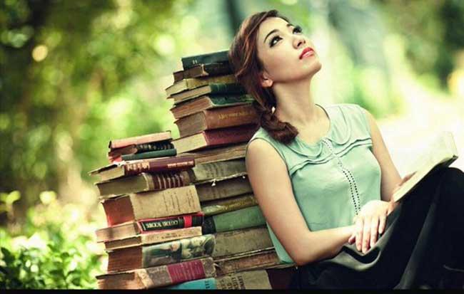Что читать в отпуске: захватывающие истории