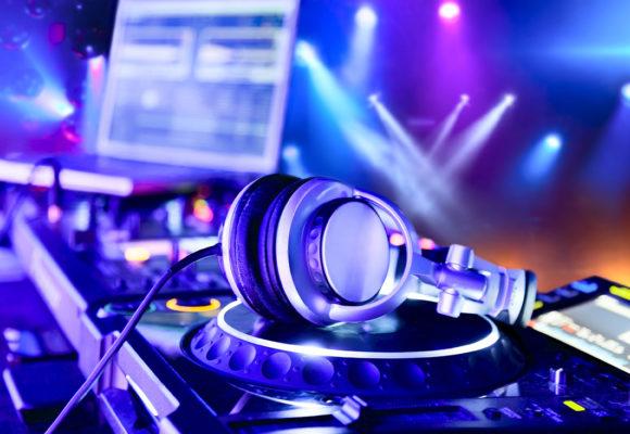 Выбор DJ-контроллеров