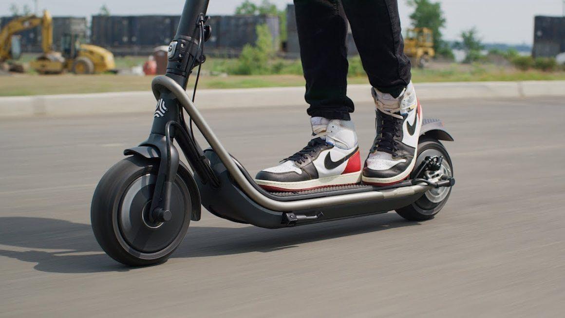 Электрические самокаты и скутеры с рождественской скидкой